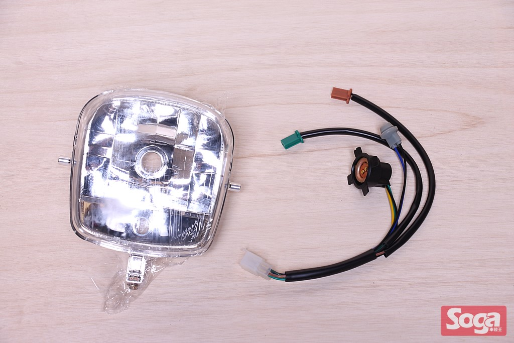 CUXI-100-4C7-大燈-透明-附線組-EG部品
